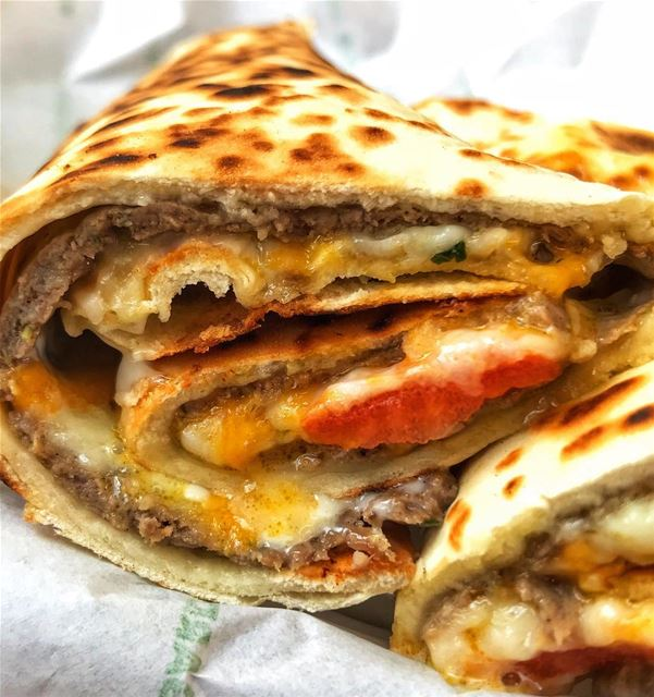 Anatomy of a legendary wrap, the Mighty Kafta - The Land Rover of 'em all � (Achrafieh, Lebanon)