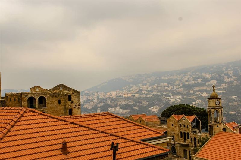 Good morning...🌦️🌹salima❤️🌤️...Happy weekend my friends... (Salima, Mont-Liban, Lebanon)