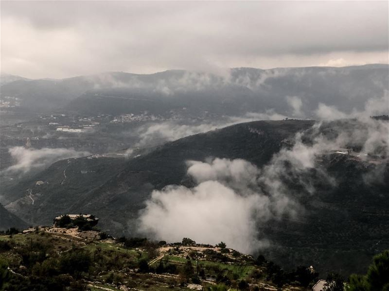 Just another cloud passing over........ nature  colors  surreal ... (Chouf)