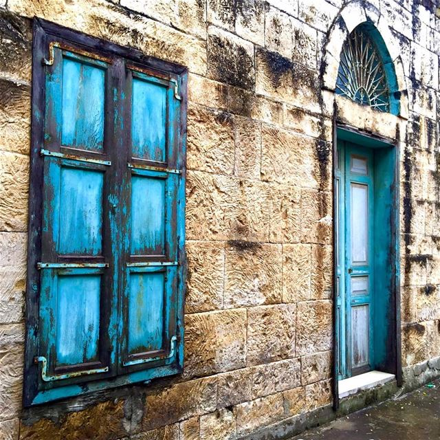 old nostalgia  door  window  traditionalarchitecture  lebanonhouses ... (Lebanon)