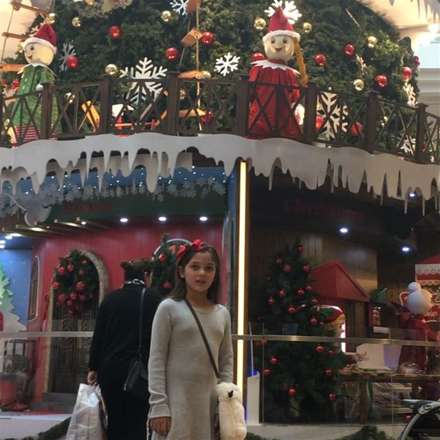 christmas exploretocreate  exploreeverything  travelphotography ... (City Centre Beirut)