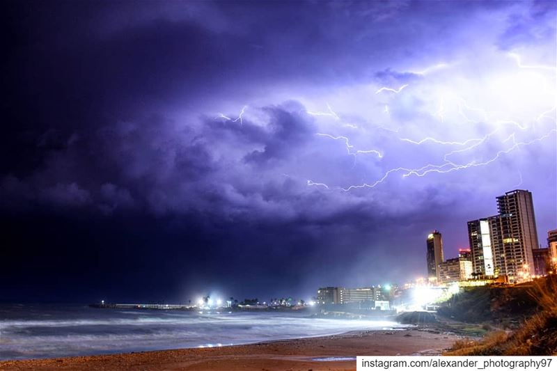 Powerful lighting storm above Beirut - 19 December 2018 - A brief powerful... (Beirut, Lebanon)