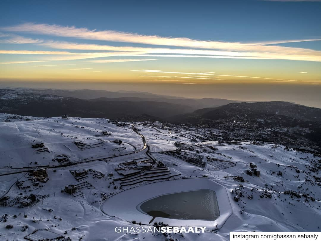🌄❄🌊 snow  sunset  lebanon  zaarour  mountains  sky  lake  water  ice @li (Lebanon)