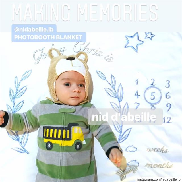 I m 5 months old 🏕2in1 blanket & photobooth! Write it on fabric by nid d'a