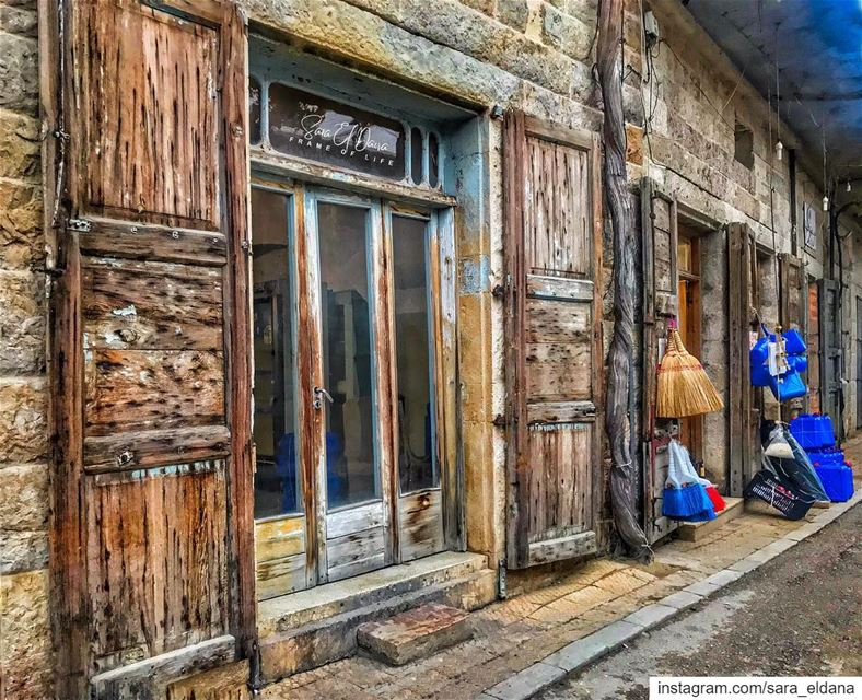 The old streets of Douma 🚪 (Douma, Liban-Nord, Lebanon)