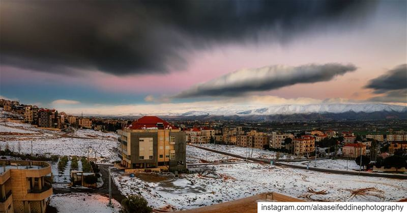 Surreal color gradience at blue hour and the snow just added a marvelous... (Lebanon)