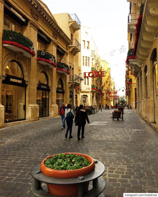 Beirut is always a good idea 💡  livelovebeirut  sundayvibes  familytime � (Downtown Beirut)