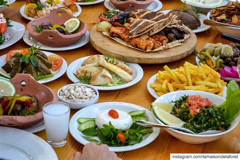 Lebanese mezze at its best 😋Who's a fan?🍖🥗  LaMaisondeLaForet ...
