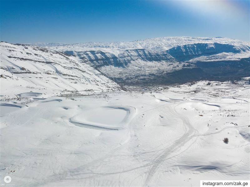 White  drones  droneoftheday  mountain  waterpond  snow  dronepilot ... (Akoura, Mont-Liban, Lebanon)