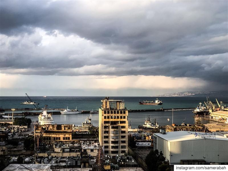 ☁️ 🌧........... cloud  storm  outdoors  visualsoflife ... (Beirut, Lebanon)