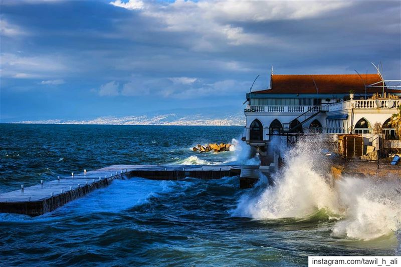 🌊--- seascape  waves  winter  cloudy  picoftheday  instapic  pictures... (Beirut, Lebanon)