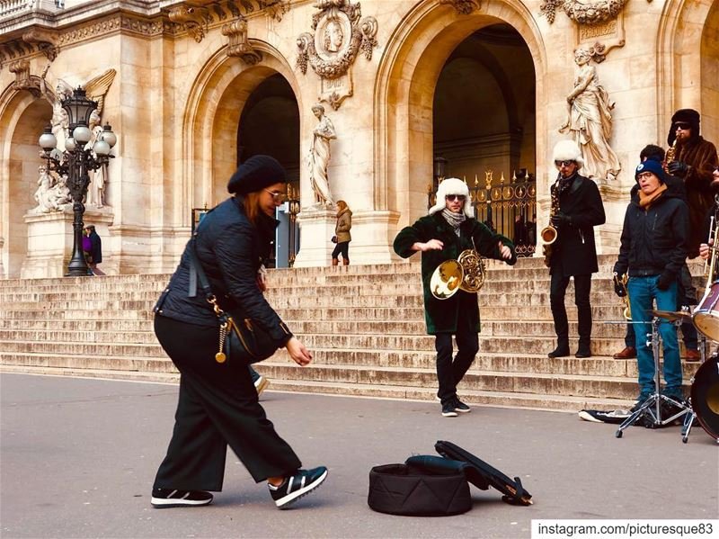 Art is how we decorate space;Music is how we decorate time..  music  love... (Place de l'Opéra)