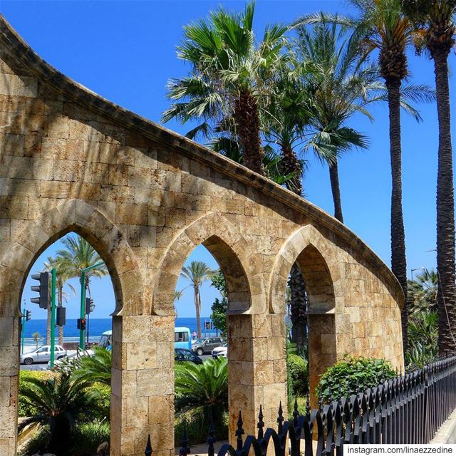 Each arch is an opportunity depending how u see it... .@lebanonlivinglegac (Ain El Mreisse, Beyrouth, Lebanon)