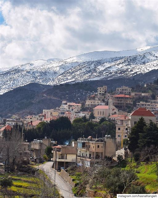 Each & every village has its own story of authenticity to tell 🏠♥️ how... (Saghbîne, Béqaa, Lebanon)