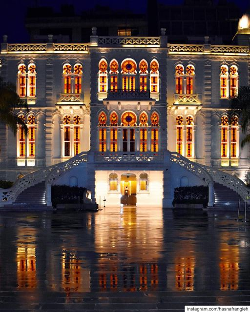 Reflections of  Beirut rainy nights 💙💫... (Sursock Museum)