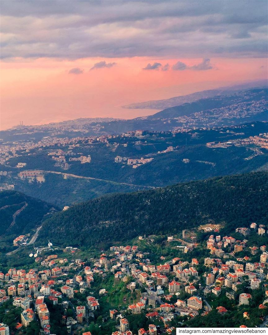Jounieh's bay as seen from the mountains⛅️ lebanon mountains city bay... (Baabdâte, Mont-Liban, Lebanon)