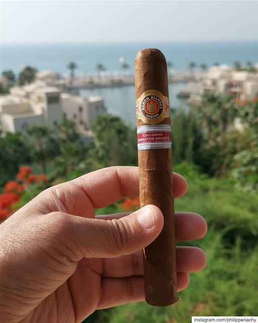 With the Amazing view you want an amazing cigar, Ramone Allones Exclusivo...