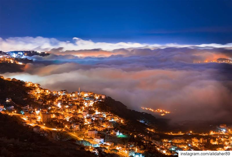 Magical night 💫...... nightphotography landscape... (Sawfar, Mont-Liban, Lebanon)