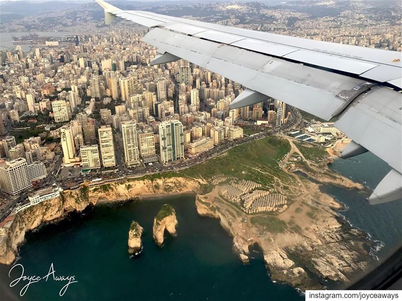 عَ لبنان لاقونا، اشتقنا وطالت غيبتنا It's that feeling you get as you... (Beirut, Lebanon)