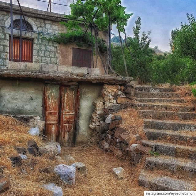 صباح الخير من ميروبا It's a privilege to wake up in this house that... (Mayruba, Mont-Liban, Lebanon)