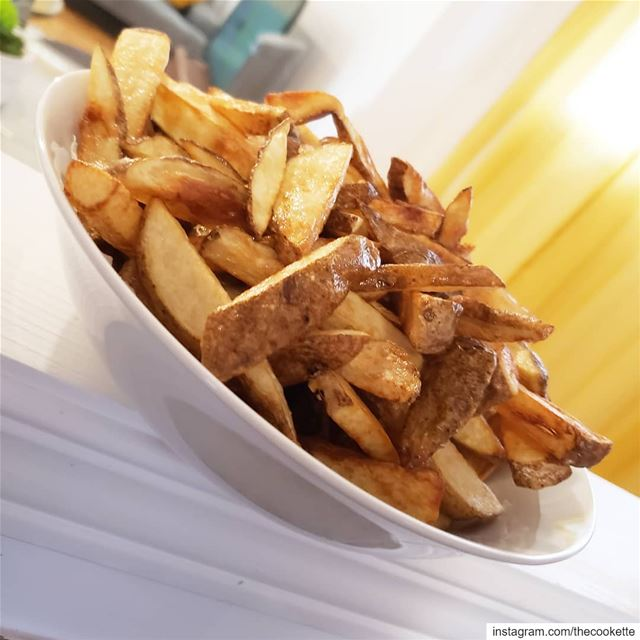 Frites Maison🌸 -Wash 4-5 russet potatoes with a brush or a sponge-Cut... (Greater Montreal)