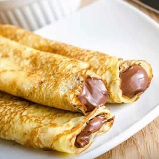 Chocolate crepe sandwich 3alla khafif before sleeping..... (My Sweet Home)
