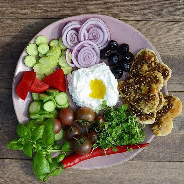 Do something special for her and give a heart filled Lebanese breakfast, after all she does deserve it!!! (Good Morning Friends..!!!)