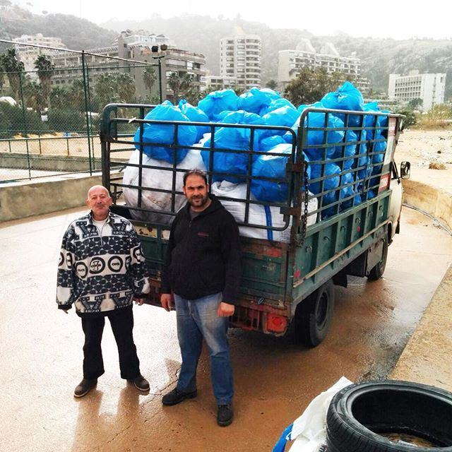 ♻️ That's a full load of plastic saved from the sea this weekend - just in time before the big storm! We've loaded up and it's off to get recycled! Thanks to the clean up efforts by @recyclelebanon @womenuprising ggril  (Residence de La Mer)