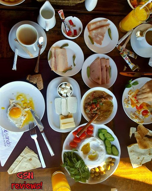 A Lebanese breakfast like no others @eddesands byblos... (Edde Sands)