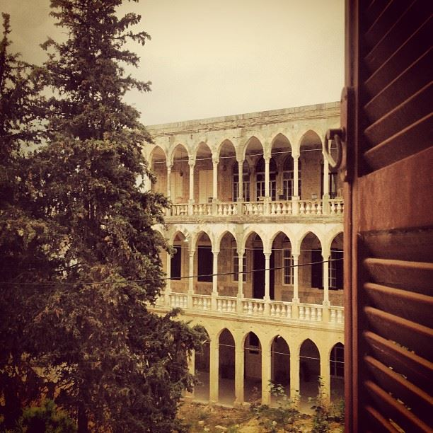 photo  fadiaoun @faaoun  jezzine  architecture ...
