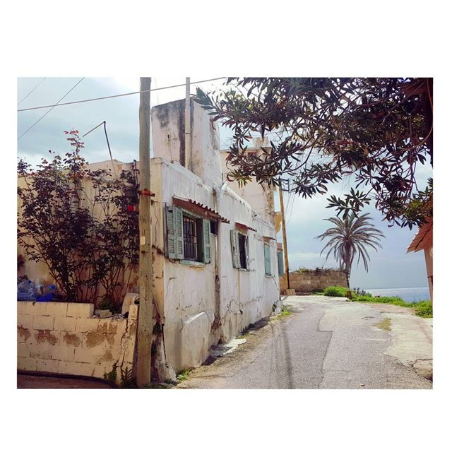 Old house by the beach!that's all😍--- TakeMeTo  Batroun  Lebanon ... (Batroûn)