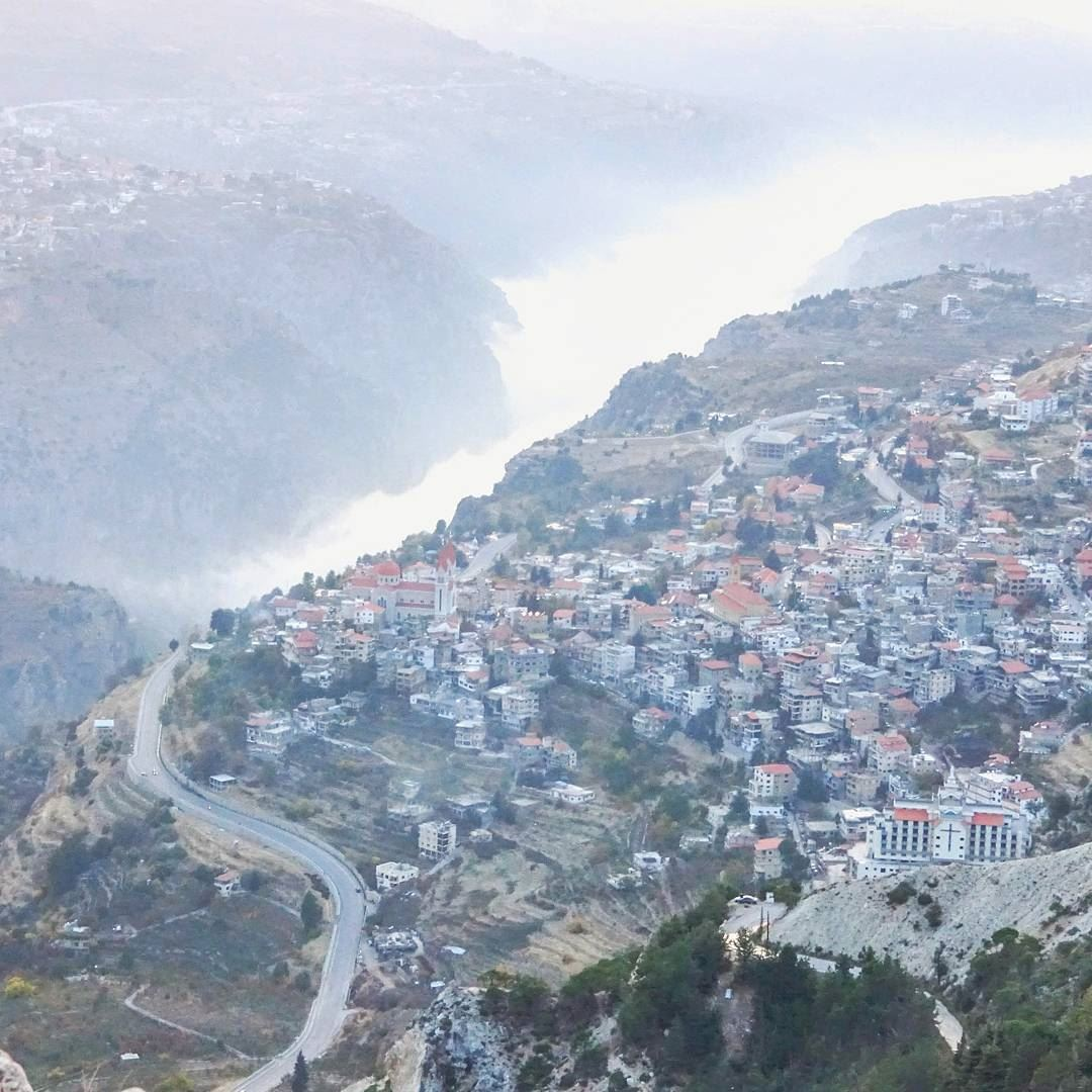 Bcharre At An Altitude Of Metres Is Often Above Cloud Level - Altitude here