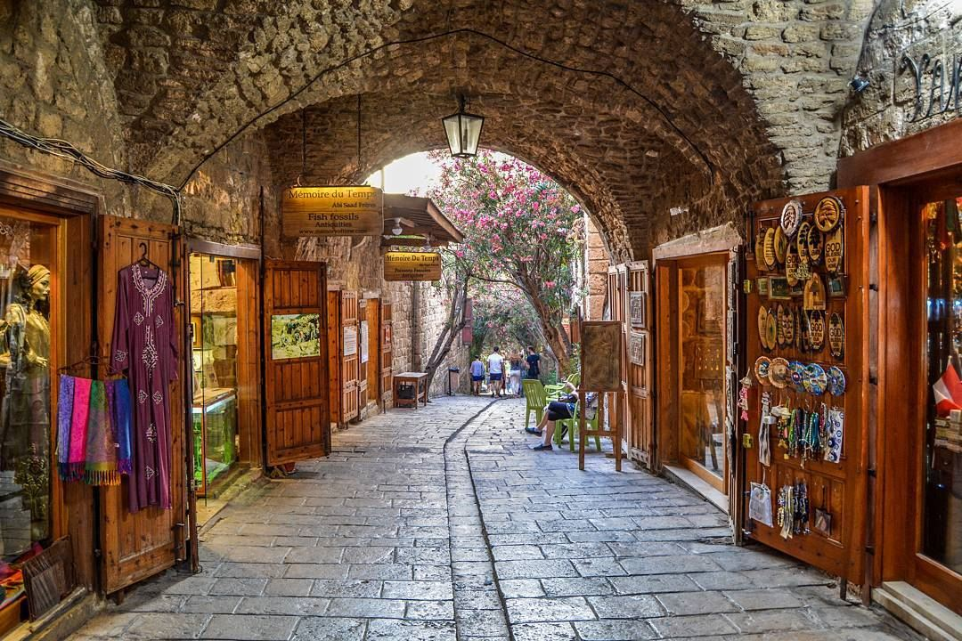 Byblos' busy old souk, is very quiet at night throwback ... |Old Byblos Lebanon
