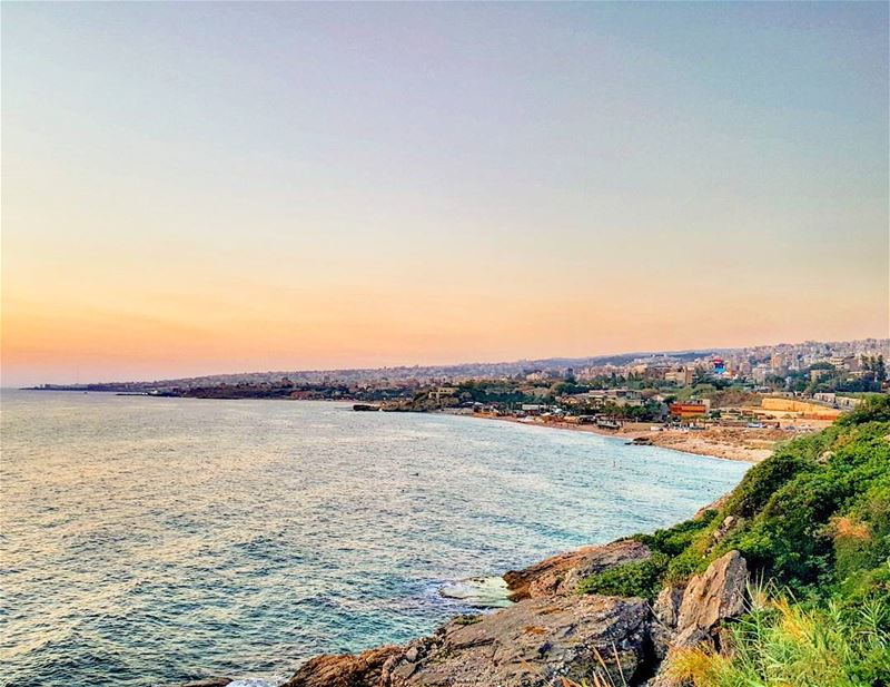 A beautiful  sunset overlooking my  hometown  Byblos ❤ livelovebyblos... (Byblos, Lebanon)