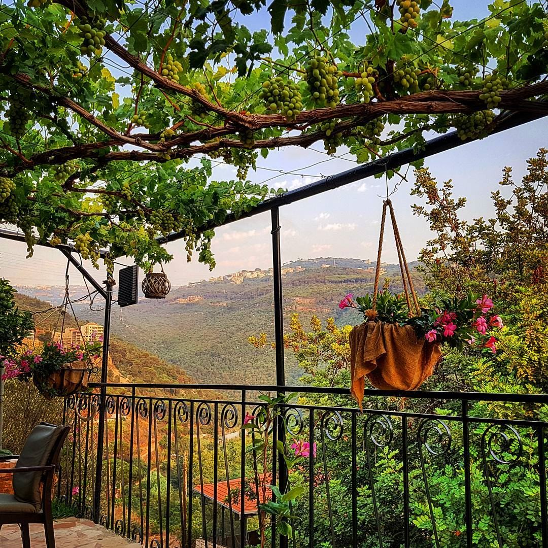 Typical Lebanese summer lounge ------------------------------------... (Farm house Mansourieh)