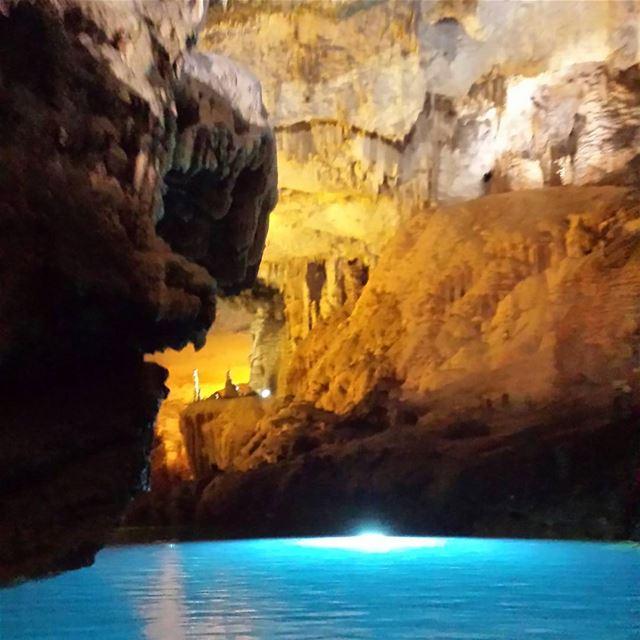 Exploring Jeita Grotto by boat 🚣👌 jeitagrotto 9km jeita underground ... (Jeita Grotto)
