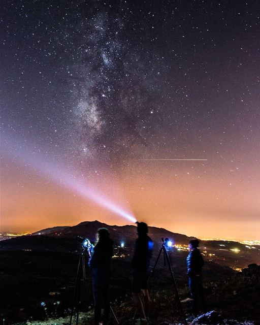 Make a wish 🌌☄.... shootingstars stars milkyway nightsky sky... (Jord Sannîne)