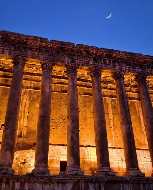 When the Moon is watching the city of Sun 🏛🌞🌙Good evening everyone 🌒... (Baalbek, Lebanon)