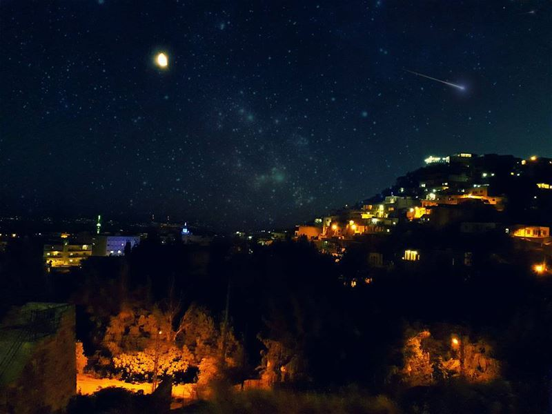 Make a wish. meteor  LiveLoveLebanon LiveLoveBekaa ............. (Qabb Ilyas, Béqaa, Lebanon)
