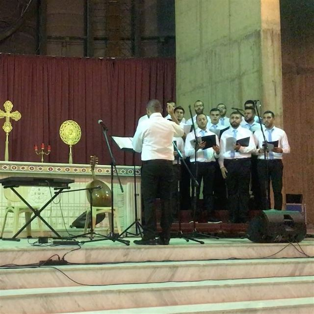 Wonderful  concert by cjs  choir  جوقةشبيبةالمخلص   chorale  choral ... (Our Lady of Awaiting)