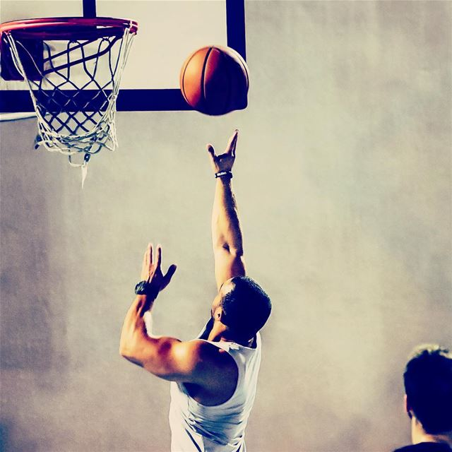 Let no one stop you !!  basketball  layup  basketin  Sport  Dalhoun ...