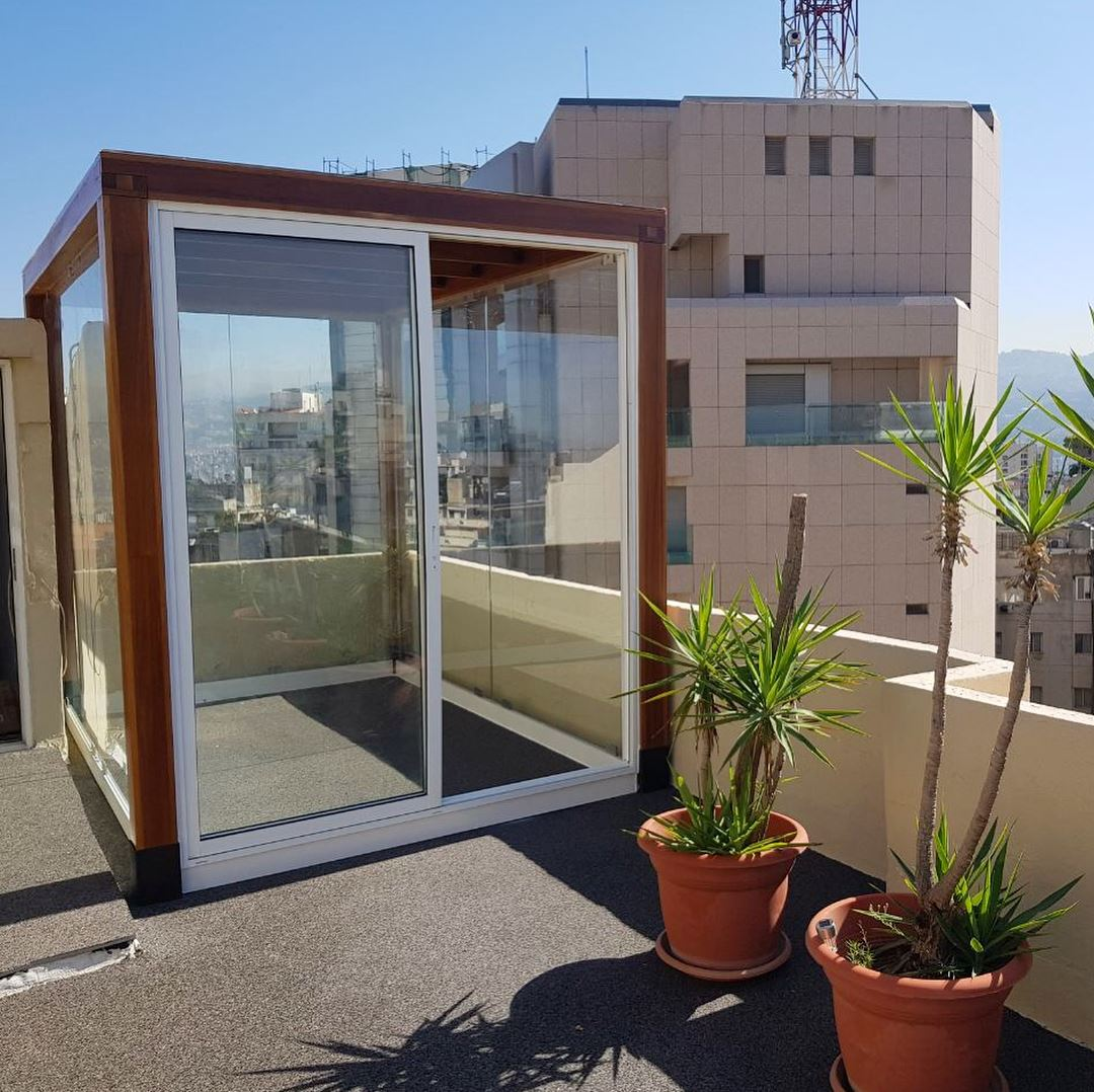Cube on the roof pergolakitslebanon sunroom pergola frame glass achrafieh lebanon - Glas pergola ...