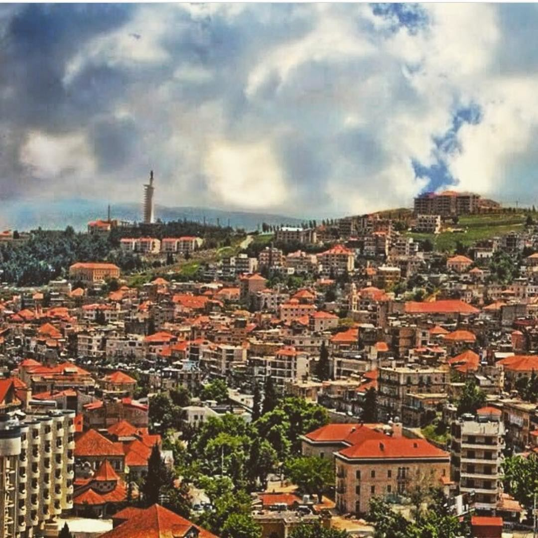 zahle lovely city missing old house brick color red cloud ...