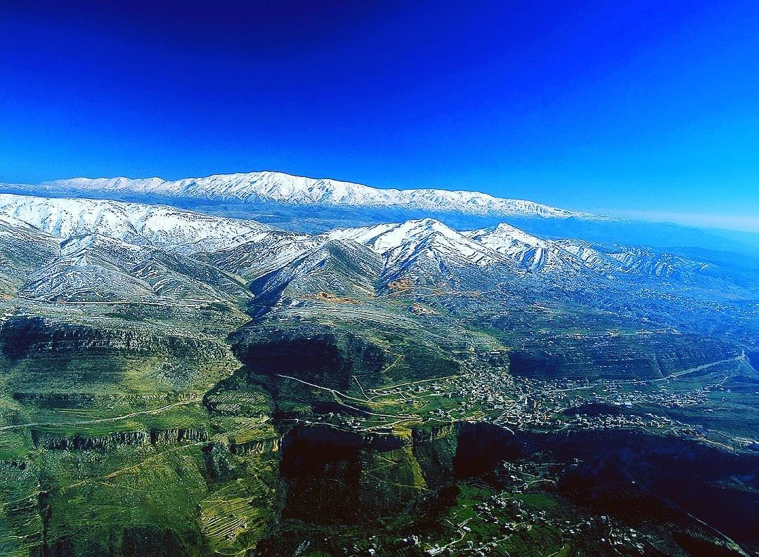 جبال لبنان نيحا وحرمون - مقام النبي أيوب ولقاء السيد المسيح مع موسى واليا ع  (جبل الشيخ)