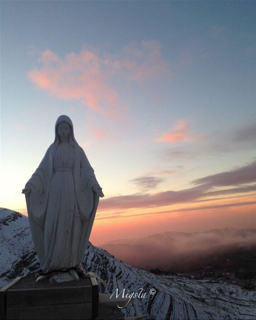 faraya  livelovefaraya  lebanon  greatview  farayalovers  sunset  snow ...
