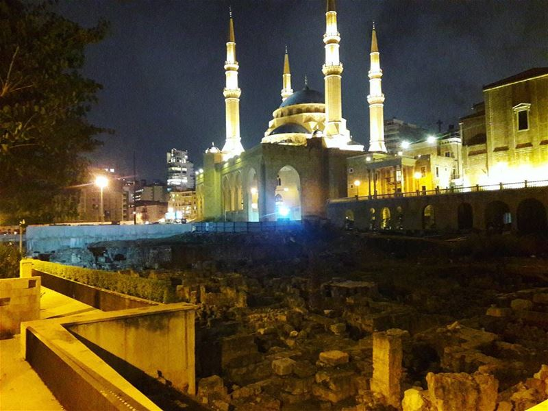 mosque  ancient  ancientarchitecture  night  beirutnight  lights  beirut ... (Downtown Beirut)