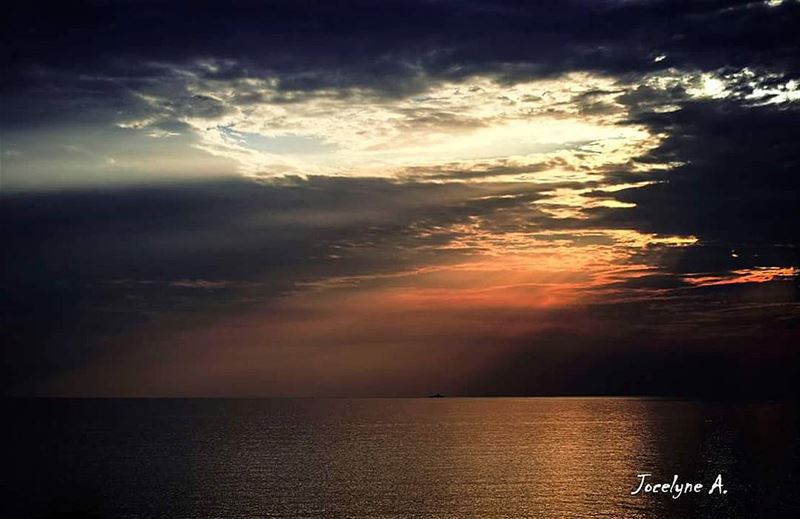 People come and go just like that... sunset  sky  beauty  beautiful ... (Jbeil جبيل)