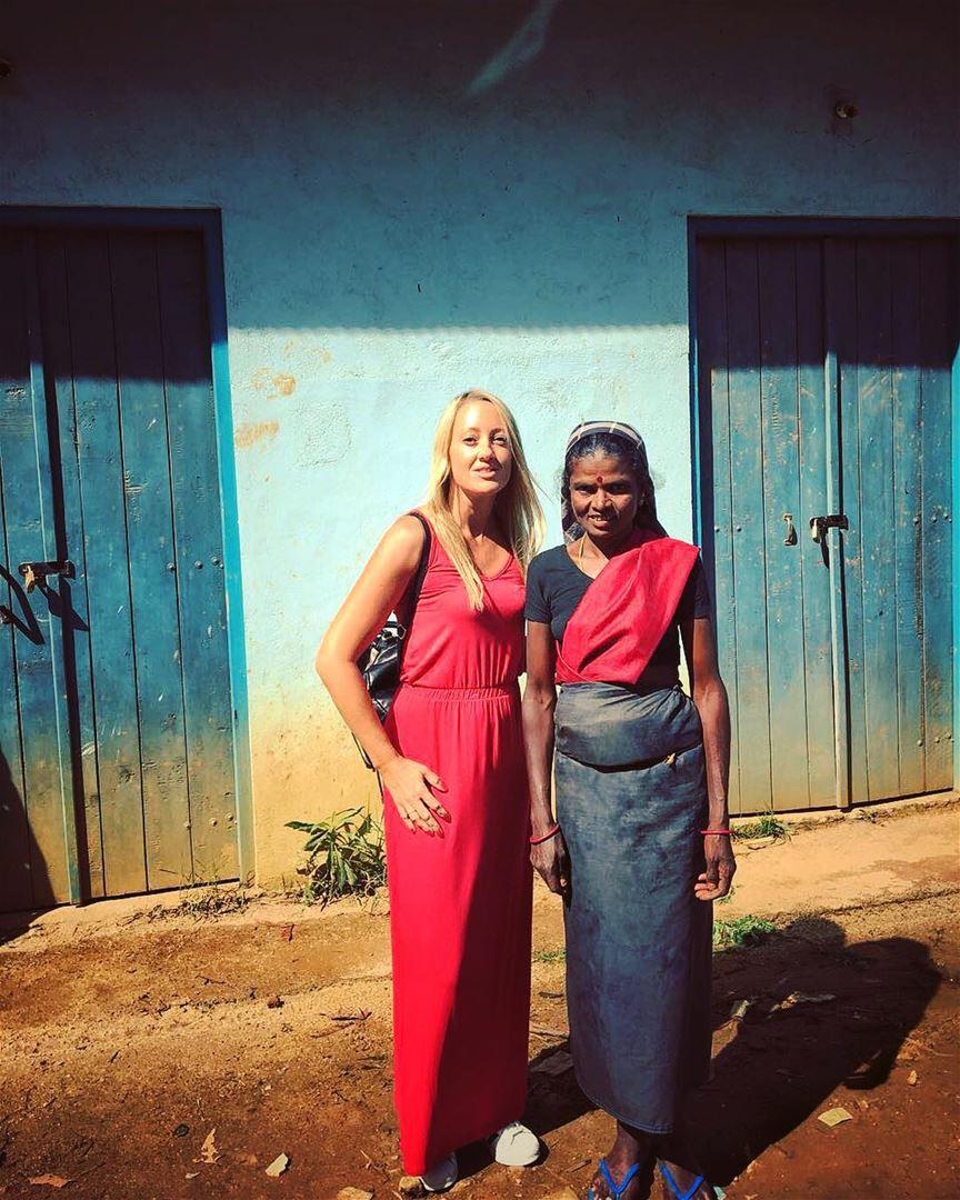 ROXIE: Sri lanka lebanon girls