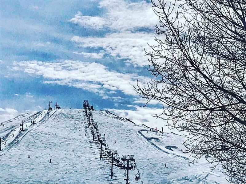 It's time to hit the slopes... ⛷🏂❄💙❄⛷🏂Thanks @myrna_k_a for sharing 🙌❄ (Mzaar Ski Resort Kfardebian)