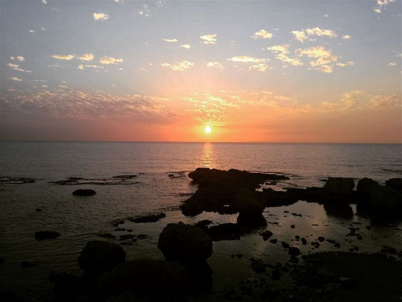 A moment of peace🔆  sunsetlovers ... (Tyre, Lebanon)